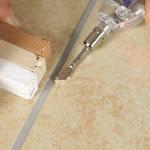 Fai da te: come riparare una mattonella scheggiata - Lavorincasa.it