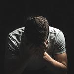 Le possibili cause della caduta dei capelli nell'uomo - pu24.it
