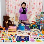 """""""Toy Stories"""", Gabriele Galimberti fotografa la gioia dei bambini con i loro giochi - Gazzetta della Spezia e Provincia"""